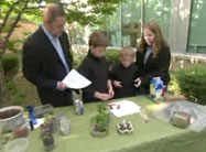 Click here to view Botanic Backyard tips for kid-friendly Earth Day gardening activities.