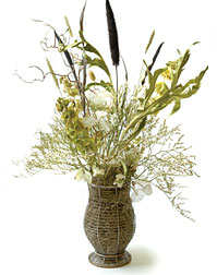 PHOTO: dried flower arrangement