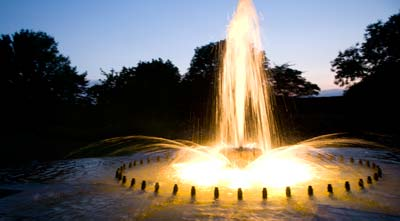 PHOTO: fountain summer evenings