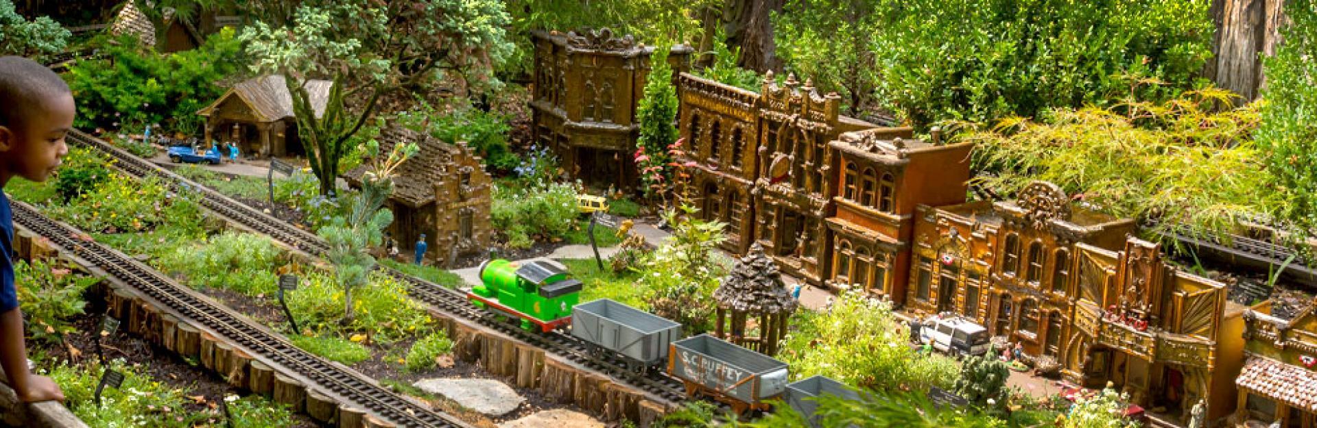 Model Railroad Garden 20 Years Chicago Botanic Garden